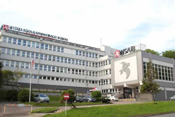 szkoła wyższa w Gdyni